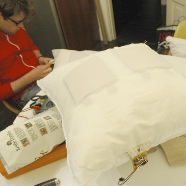Cushion control by Didier Hilhorst & Nicholas Zambetti
