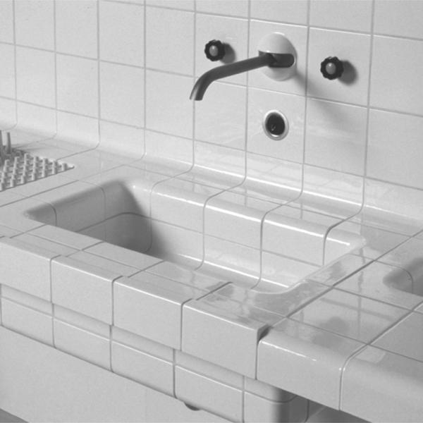 Tile kitchen by Arnout Visser, Erik Jan Kwakkel & Peter van der Jagt