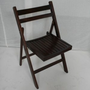 Live revival of lot #1512 80 folding chairs